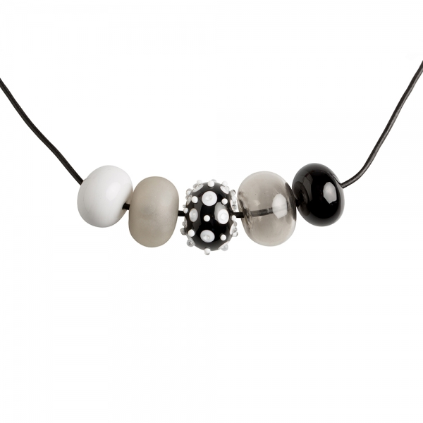 Alicia Niles: 5 Bead Necklace, Black & White