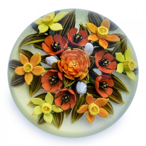 Cathy Richardson: Yellow Daffodil Spring Bouquet Paperweight