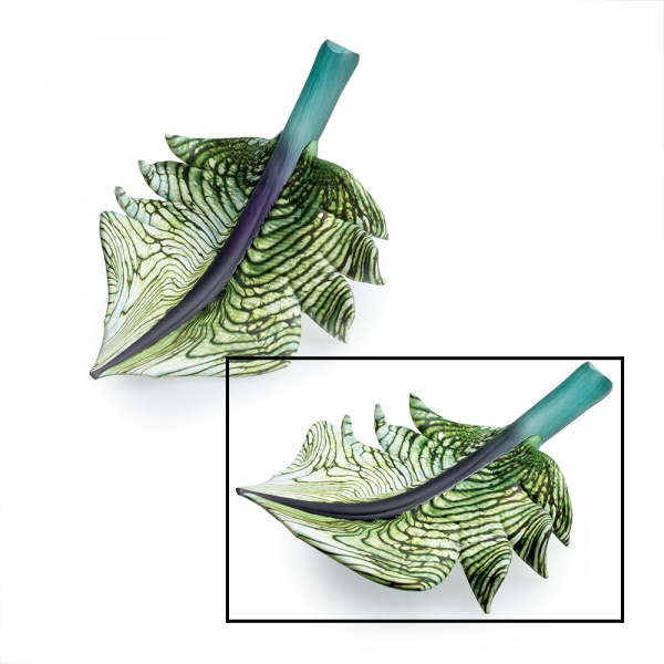 Two glass leaf arbors, green and white patterned leaf with purple teal leaf stalk, small size is selected