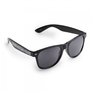 Corning Museum of Glass: Black Sunglasses