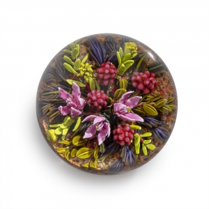 Cathy Richardson: Arctic Raspberries Paperweight