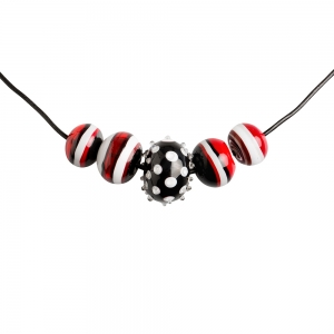 Alicia Niles: 5 Bead Necklace, Black, Red, & White